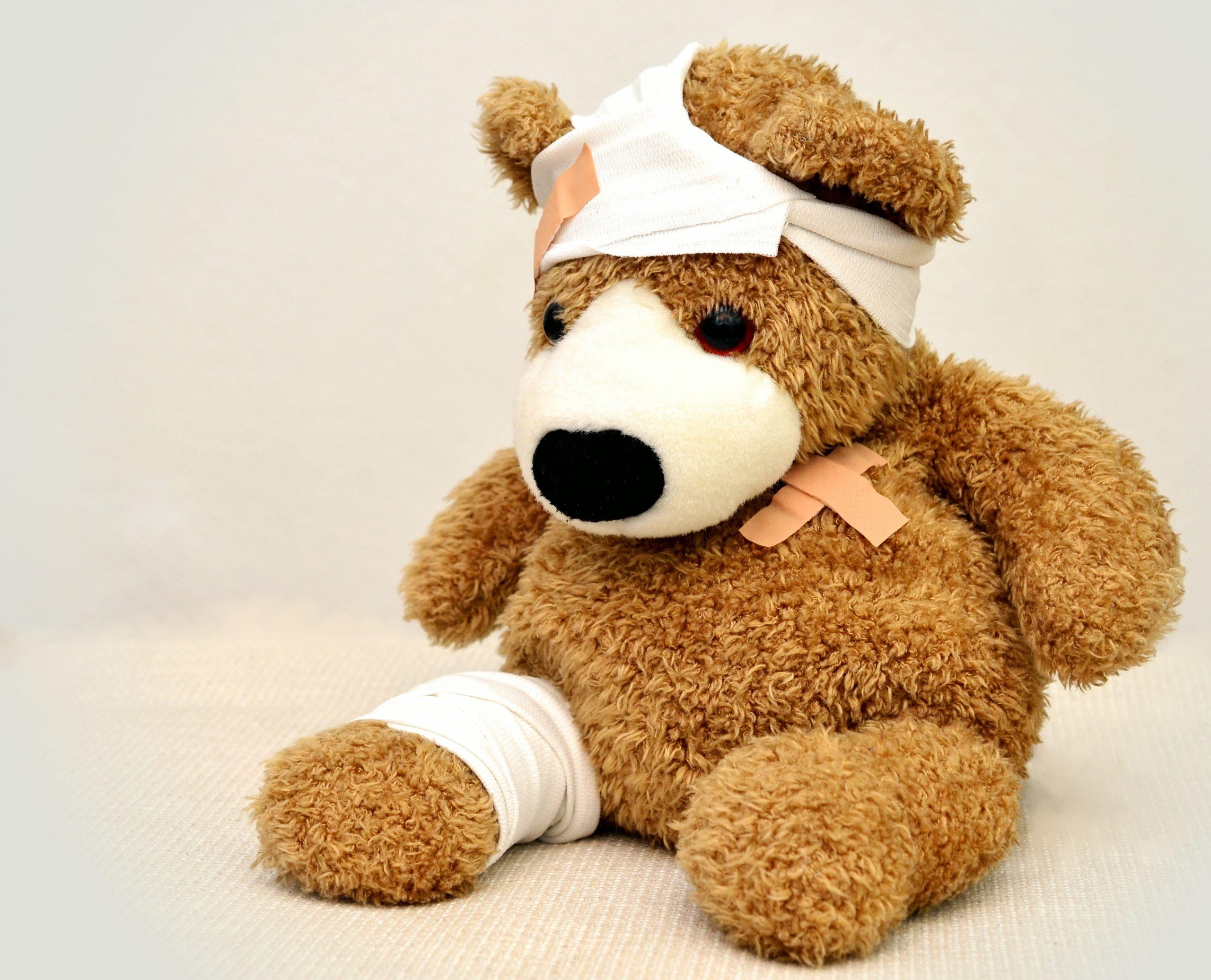 https://www.pexels.com/de-de/foto/teddybar-schmerz-teddy-krank-42230/